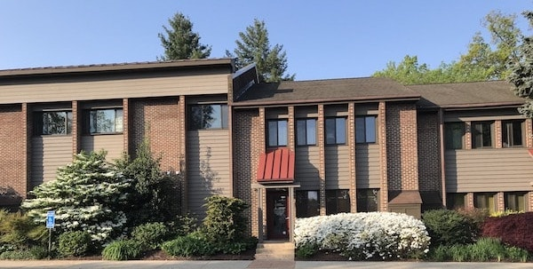 Exterior photo of Connie Edens' office building